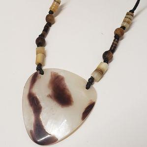 Unique Vintage Shell Pendant Necklace